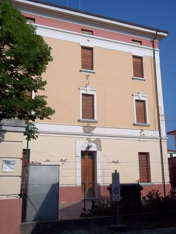 Palazzo comunale - Mirtillause - Novi di Modena (MO)