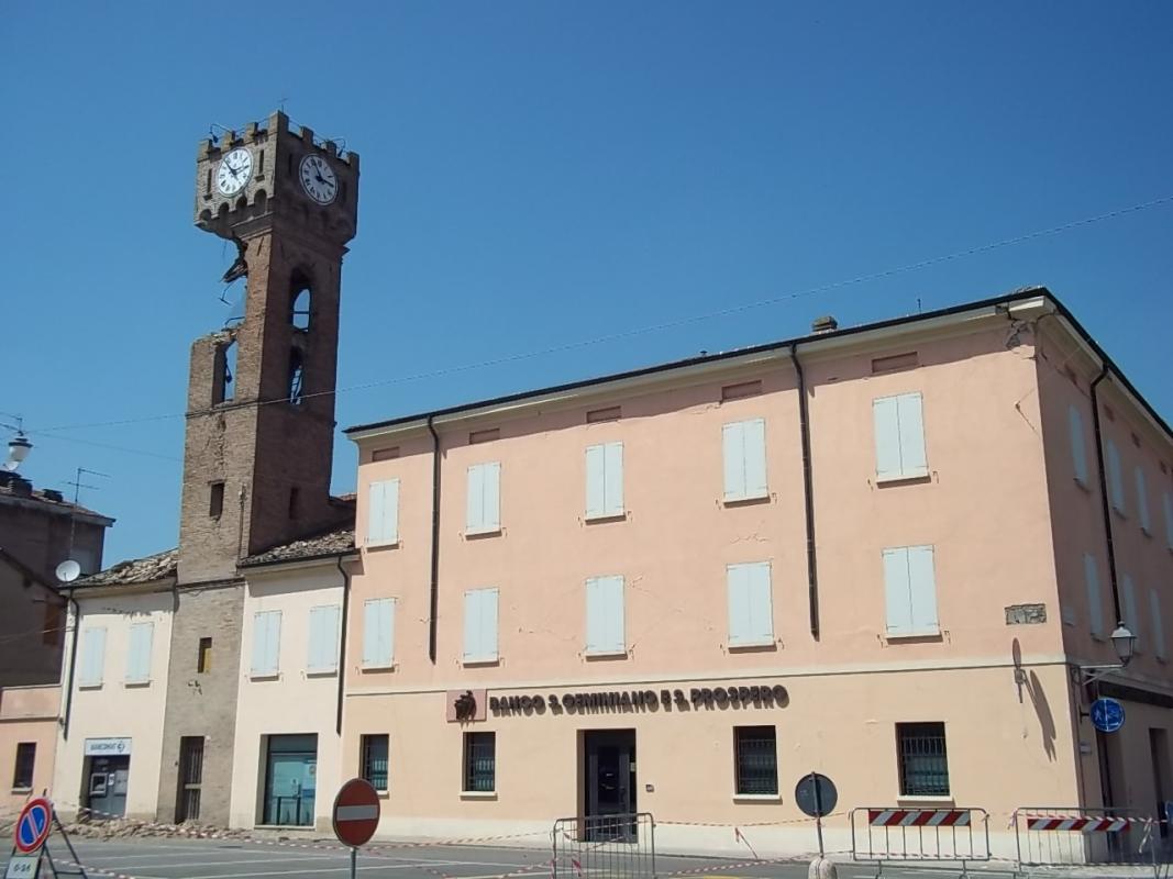 Torre civica e palazzo - Mirtillause - Novi di Modena (MO)