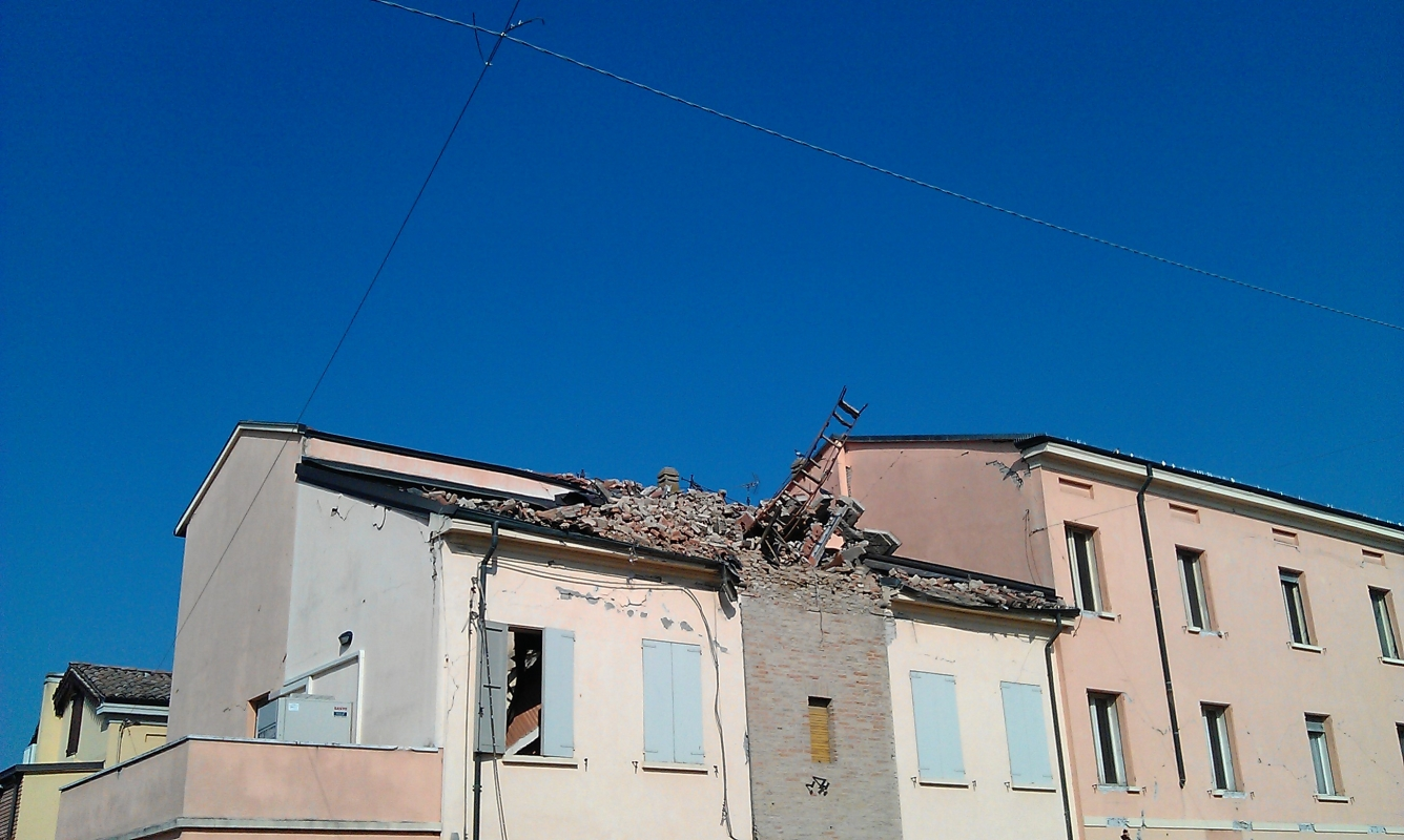Novi di Modena, Piazza I Maggio, Torre Civica after the earthquake - Francesca Ferrari - Novi di Modena (MO)