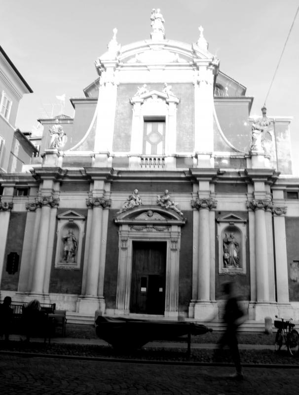 Passaggio davanti a San Giorgio - BeaDominianni - Modena (MO)