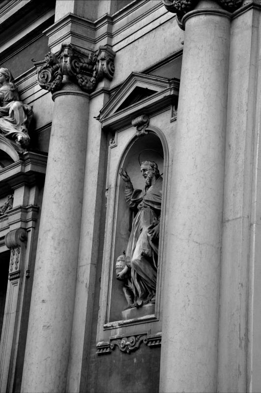 Santo in bianco e nero, Chiesa di San Giorgio - Chiara Salazar Chiesa - Modena (MO)