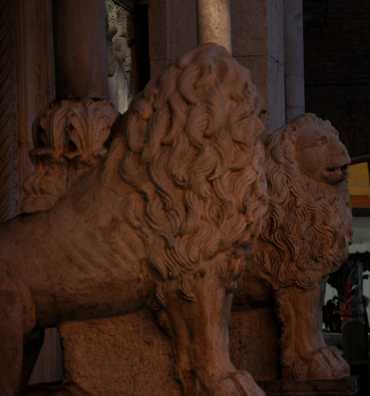 Leoni Facciata del Duomo - Chiara Salazar Chiesa - Modena (MO)