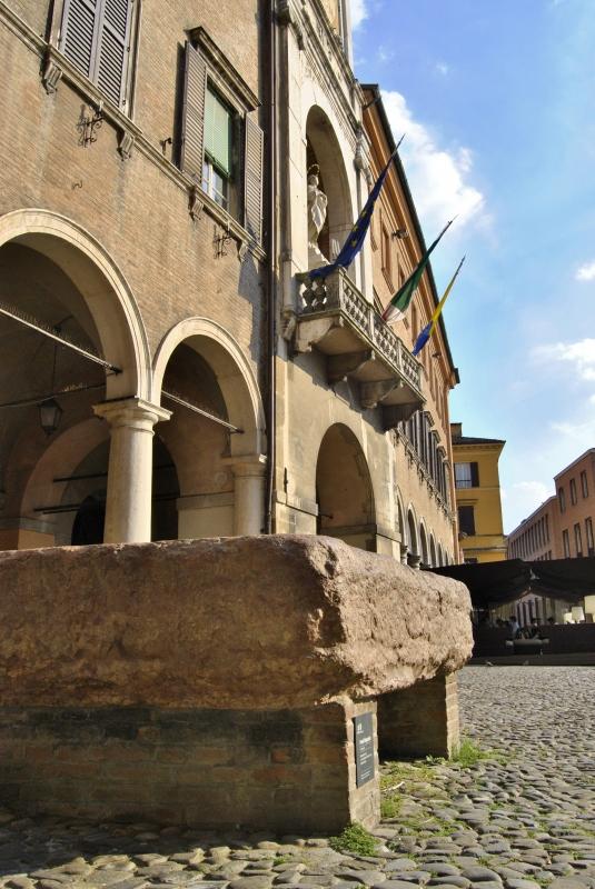 Il Palazzo Comunale e la Pedra Ringadora - Giorgia Violini - Modena (MO)