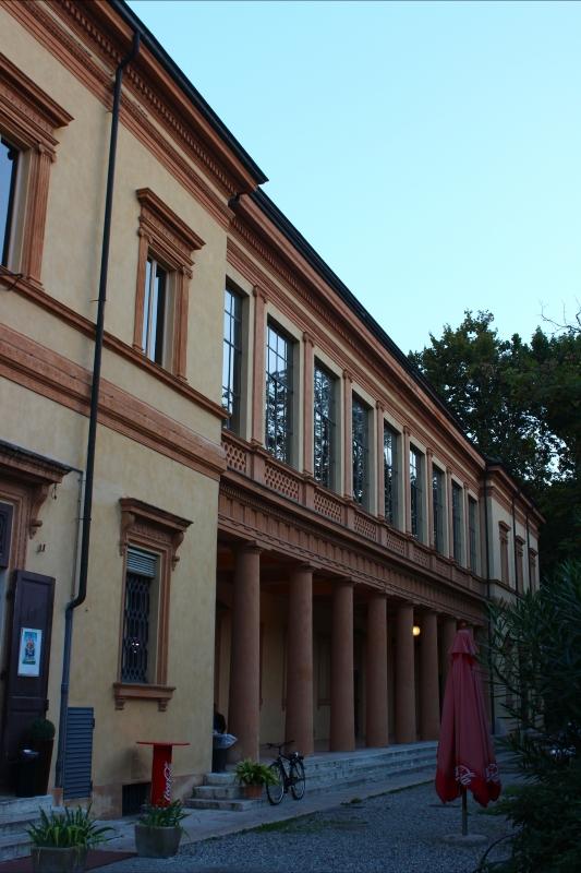 Entrata laterale teatro Storchi - BeaDominianni - Modena (MO)