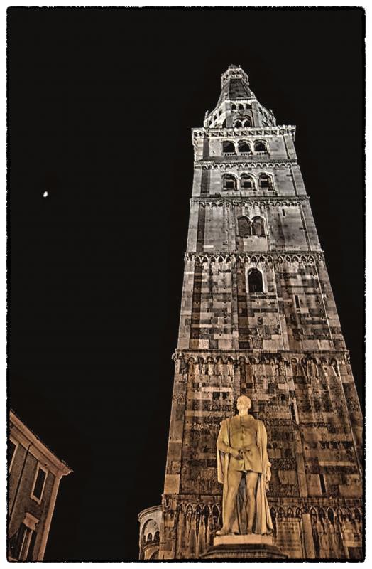 Ghirlandina e tassoni copia - Poeme - Modena (MO)