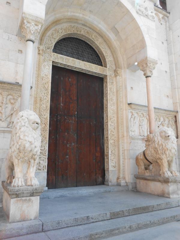 Duomo di Modena (entrata) - Cristina Guaetta - Modena (MO)