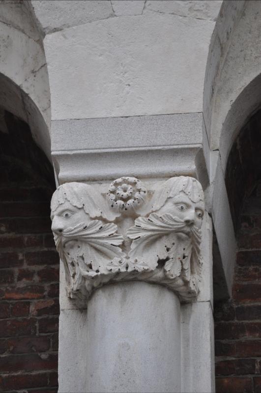 Duomo modena estero piazza - Manesti - Modena (MO)