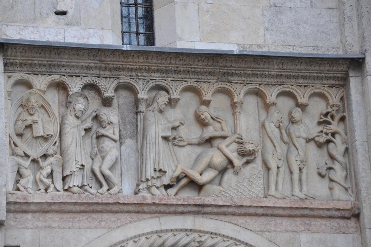 Duomo modena estero bassorilievo - Manesti - Modena (MO)