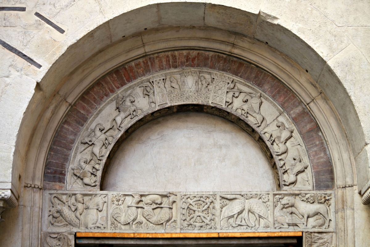 Porta della pescheria mese particolare - Mongolo1984 - Modena (MO)