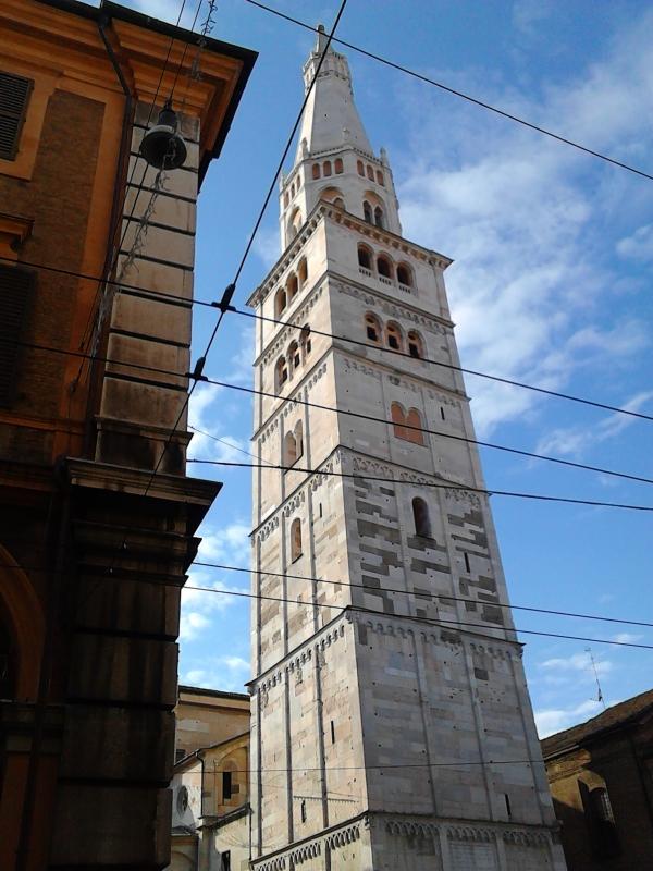 Torre Ghirlandina vista da Via Emilia Centro - Silvia aldovini - Modena (MO)