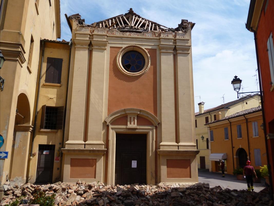 Facciata terremoto 20-05-2012, Oratorio di Santa Croce - San Felice sul Panaro - Mimmo Ferrari - San Felice sul Panaro (MO)