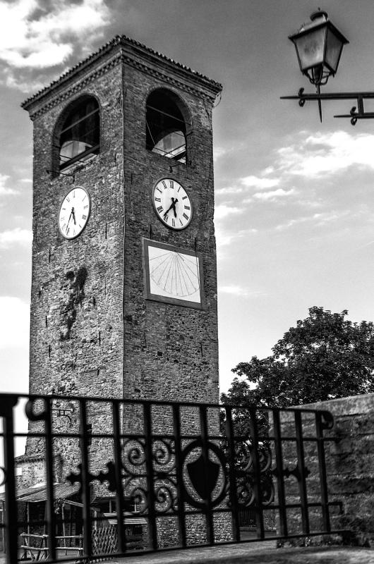 Torre dell'Orologio simbolo del borgo di Castelvetro di Modena - Loris.tagliazucchi - Castelvetro di Modena (MO)