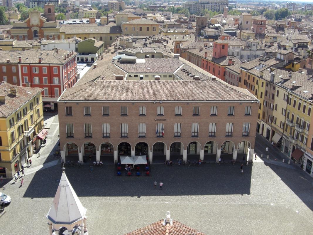 Palazzo Cassa di Risparmio su Piazza Grande dalla Torre Civica - Clawsb - Modena (MO)