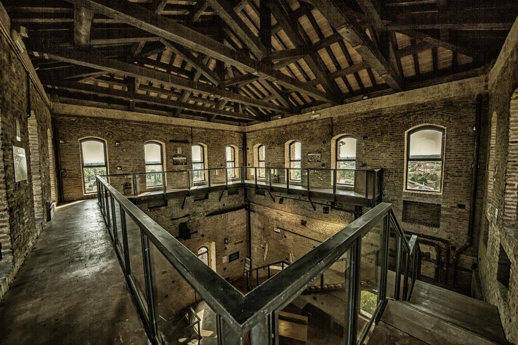 L'interno della Torre - Ultimo piano 38 metri - Vista a 360 gradi - Nord Sud Est Ovest - Giovanna molinari - Nonantola (MO)