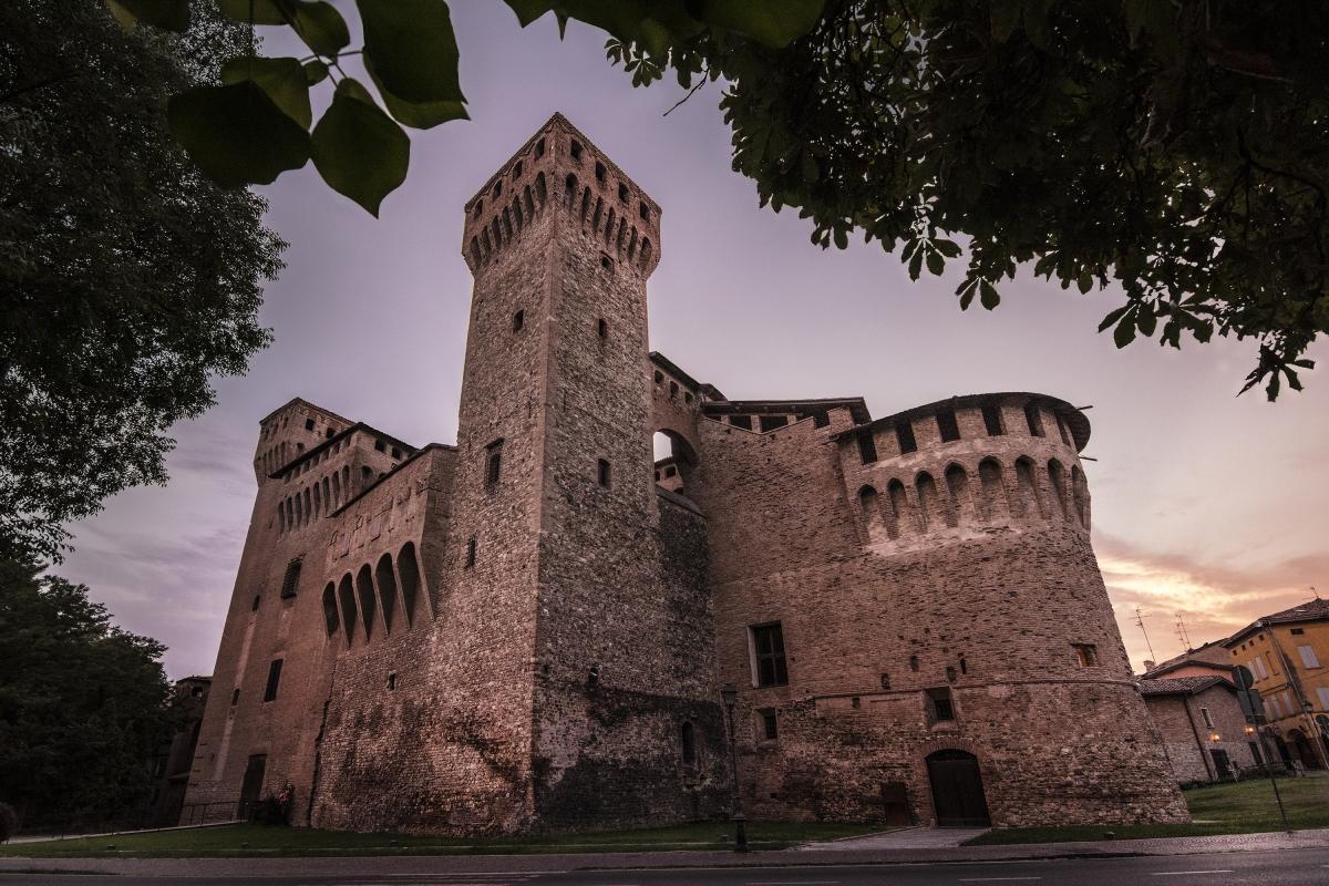 Veduta frontale Rocca di Vignola - Lara zanarini - Vignola (MO)