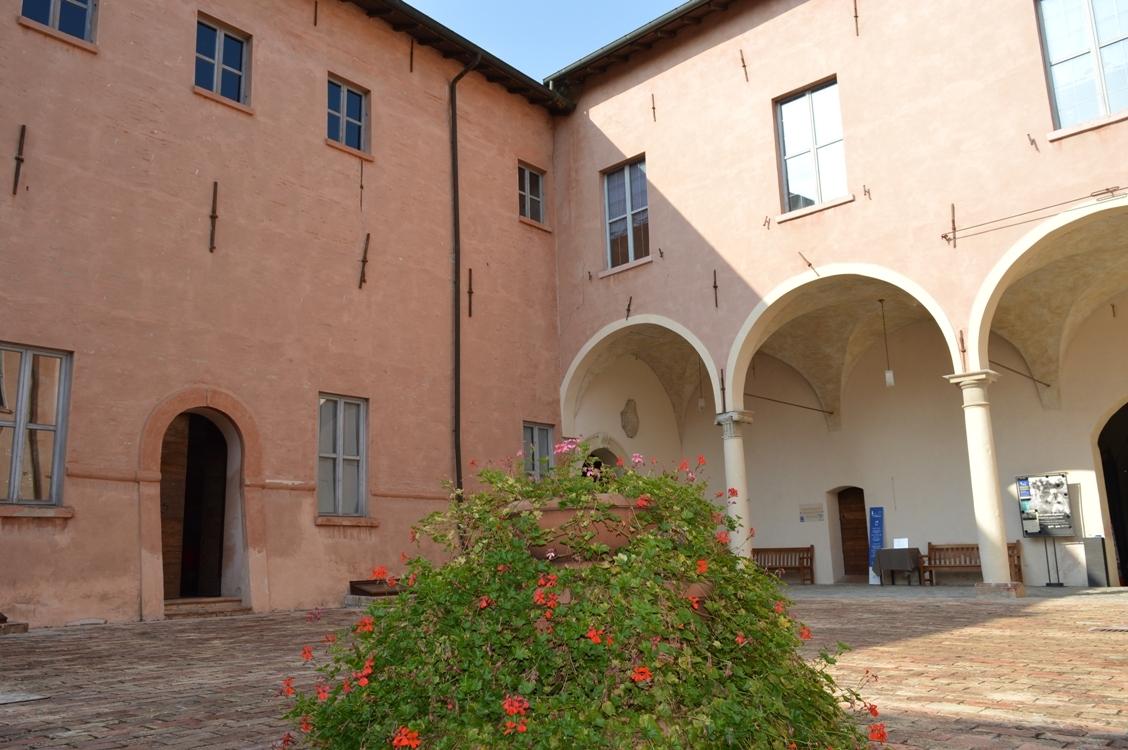 Castello di Spezzano di Fiorano Modenese, cortile interno, Cinzia Malaguti - Cinzia Malaguti - Fiorano Modenese (MO)