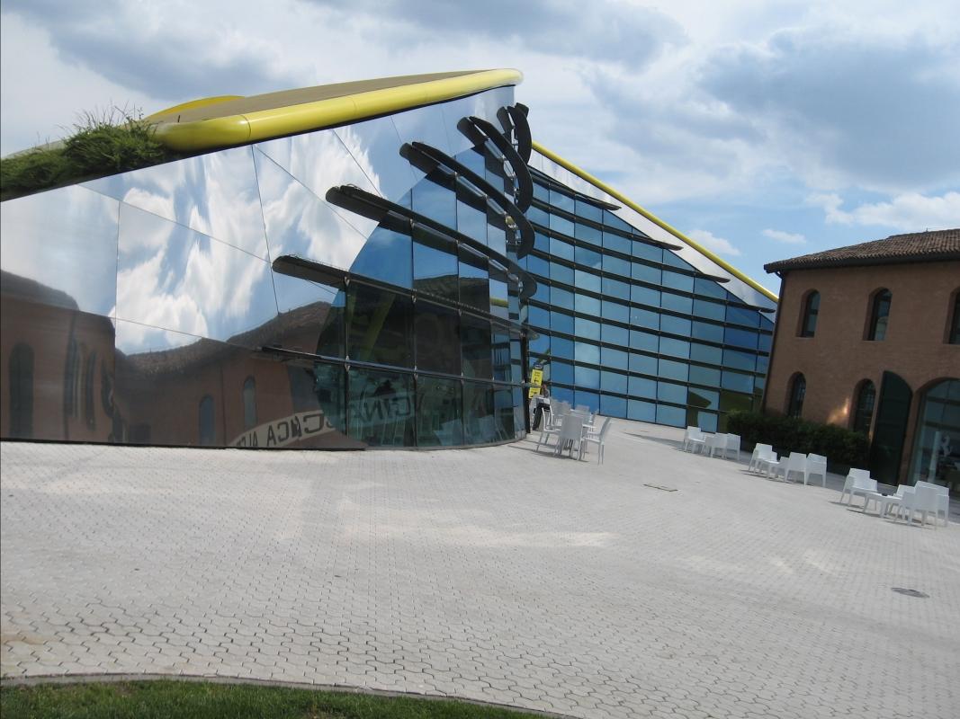 Riflessi di Architettura - Persepolismo - Modena (MO)