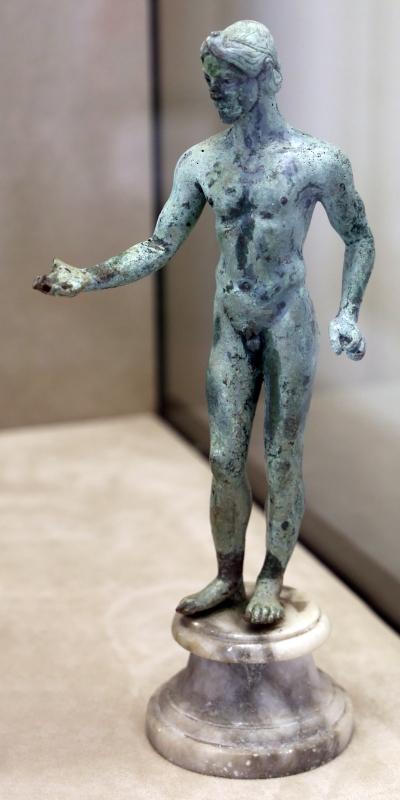 Manifattura magno-greca, offerente, 475-450 ac ca - Sailko - Modena (MO)