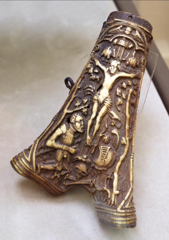 Manifattura tedesca, porta polvere da sparo, in osso, 1590 ca - Sailko - Modena (MO)