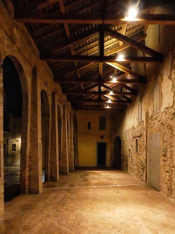 20170914225809-01 Vignola porticato Piazza contrari - Massimo F. Dondi - Vignola (MO)