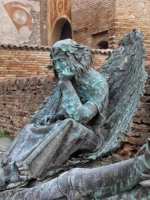 20161017 121742-01 la perseveranza esposta in Piazza Contrari - Massimo F. Dondi - Vignola (MO)
