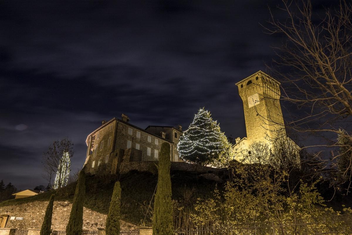 Il castello illuminato - Angelo nastri nacchio - Castelvetro di Modena (MO)