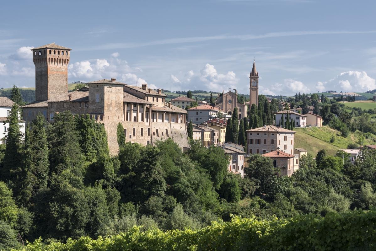 La bellezza del Castello di Levizzano Rangone - Quart1984 - Castelvetro di Modena (MO)