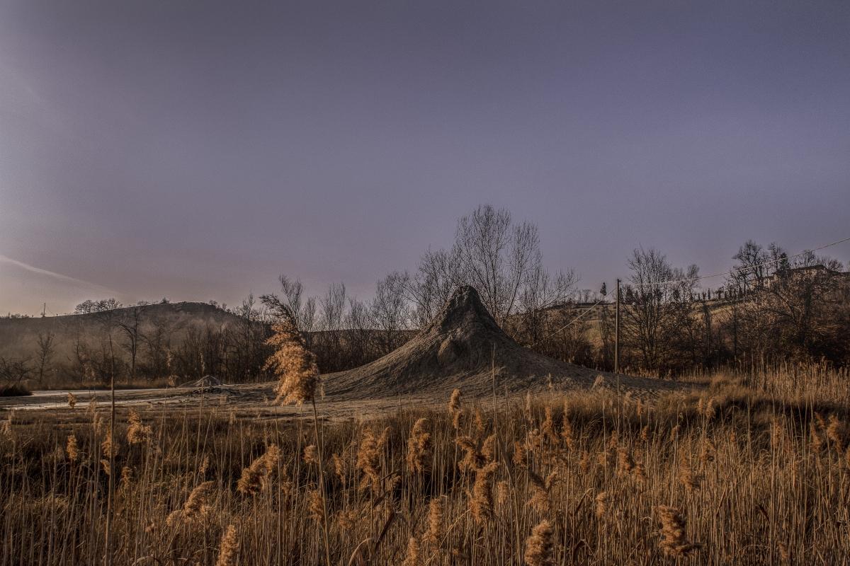 Vulcani di fango e gas nel cuore dell'Emilia - Luca Nacchio - Fiorano Modenese (MO)