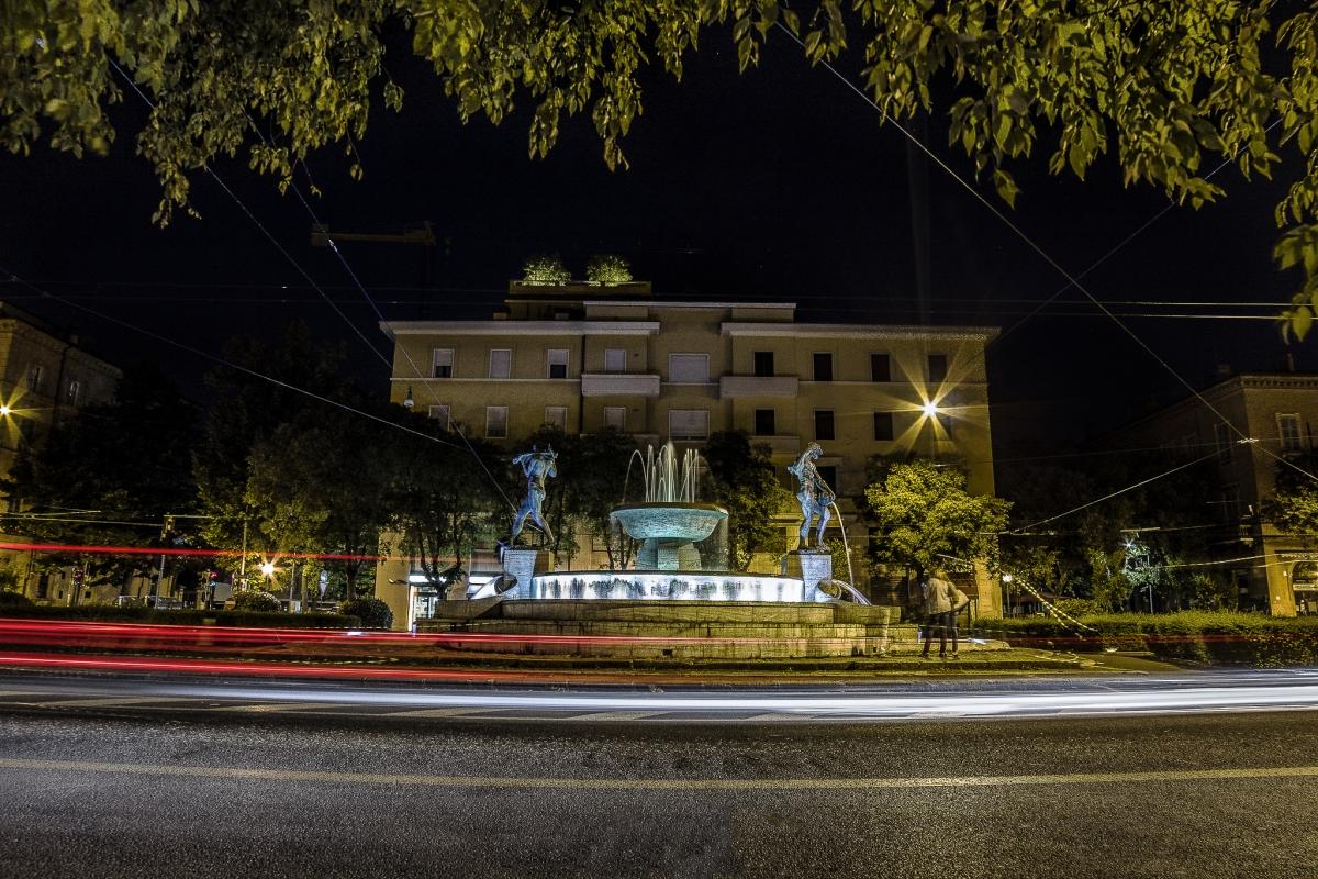 Fontana dei due fiumi, ovvero Il fiume Secchia e il fiume Panaro - Angelo nastri nacchio - Modena (MO)