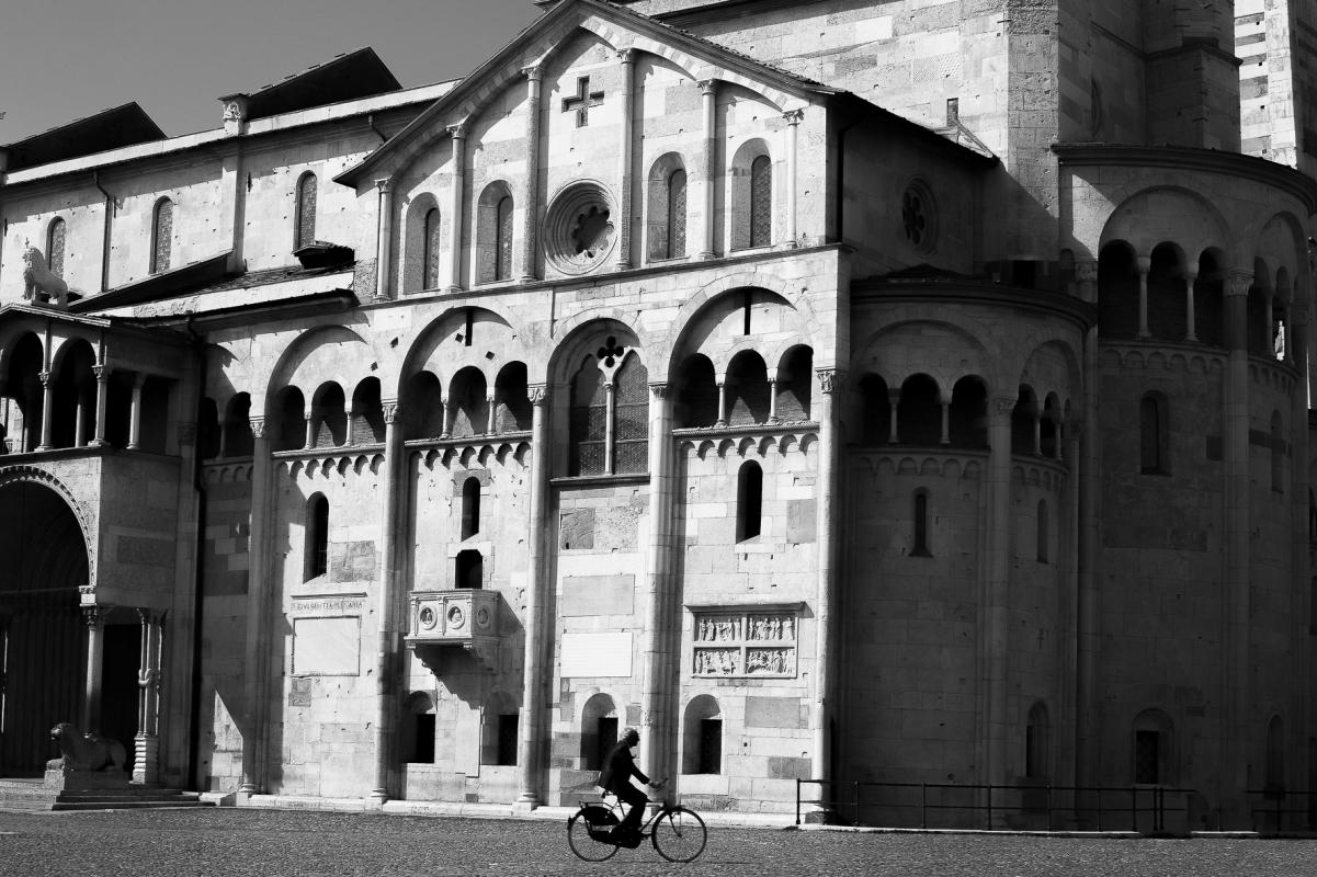 Due simboli di Modena, il Duomo e la bici - Angelo nastri nacchio - Modena (MO)