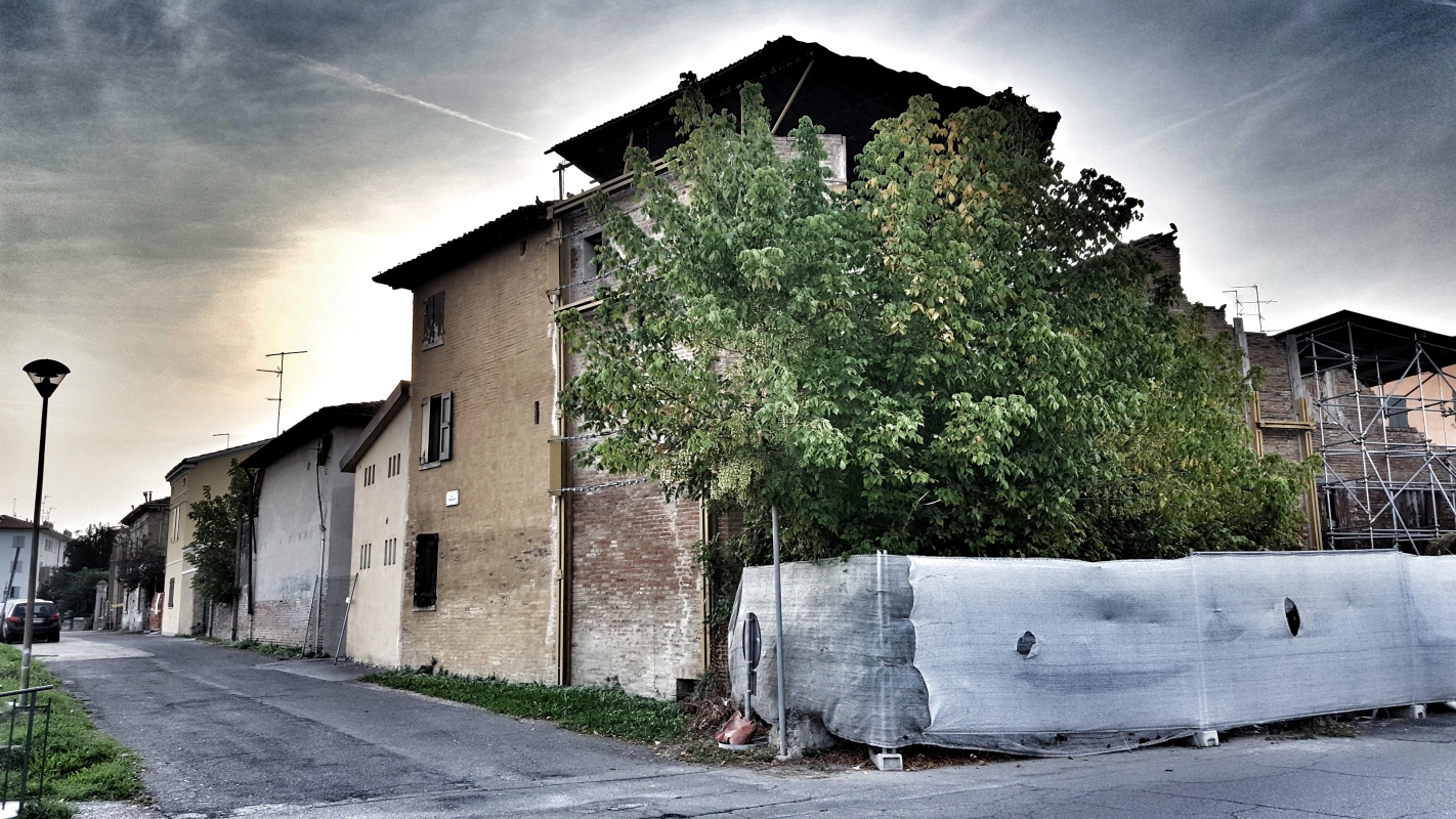 Torre Borgo angolo Via Circondaria - Via Terrapieni Nord - Giorgio Bocchi - San Felice sul Panaro (MO)