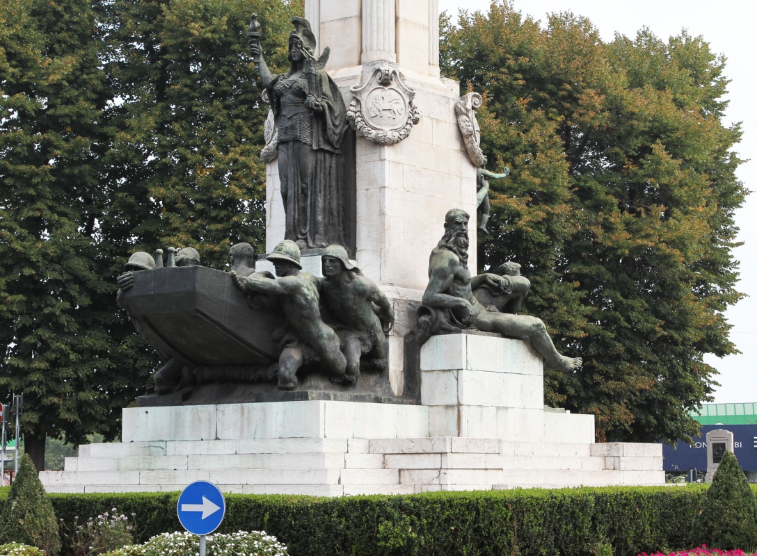 001900 monumento ai pontieri - Gialess - Piacenza (PC)