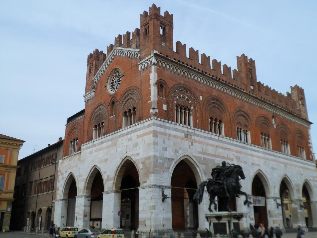Palazzo gotico, l'angolo perfetto - Snoerckel-V - Piacenza (PC)