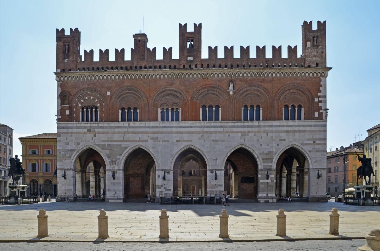Palazzo Gotico - Pierangelo66 - Piacenza (PC)