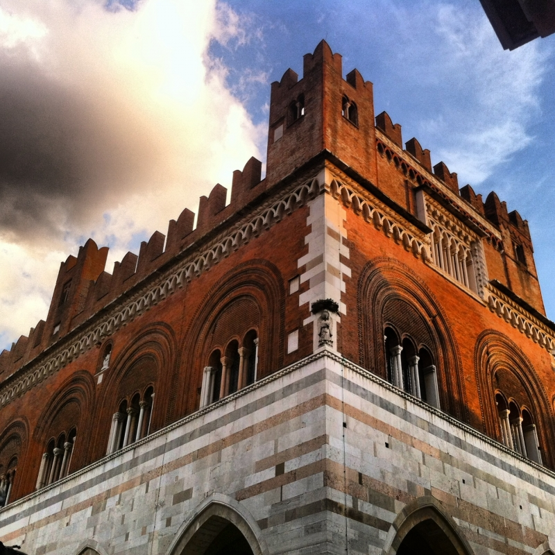 Palazzo Gotico - Piacenza - Pattydust - Piacenza (PC)