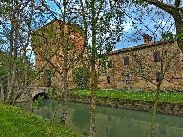 Castello di Paderna in hdr - Paperkat - Pontenure (PC)