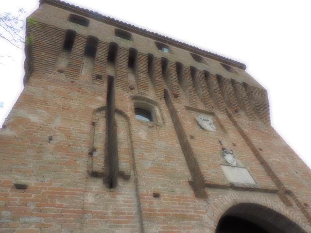 L'entrata del castello di Paderna - Paperkat - Pontenure (PC)
