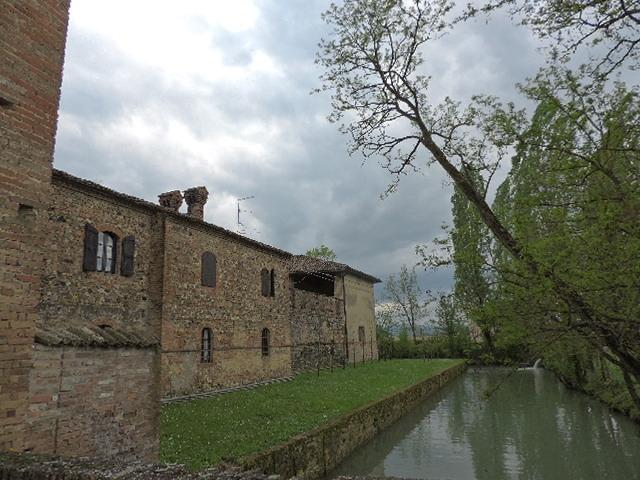 Tra i riflessi del castello di Paderna - Paperkat - Pontenure (PC)