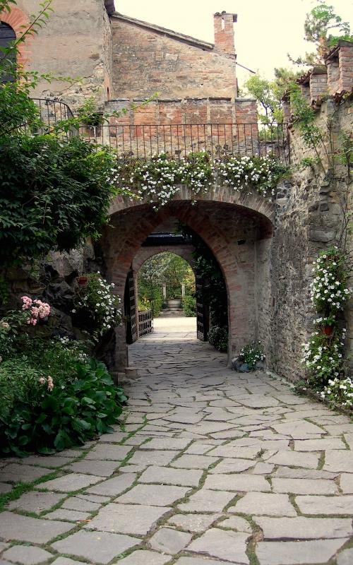 Ingresso d'onore al Castello - Caba2011 - Gropparello (PC)