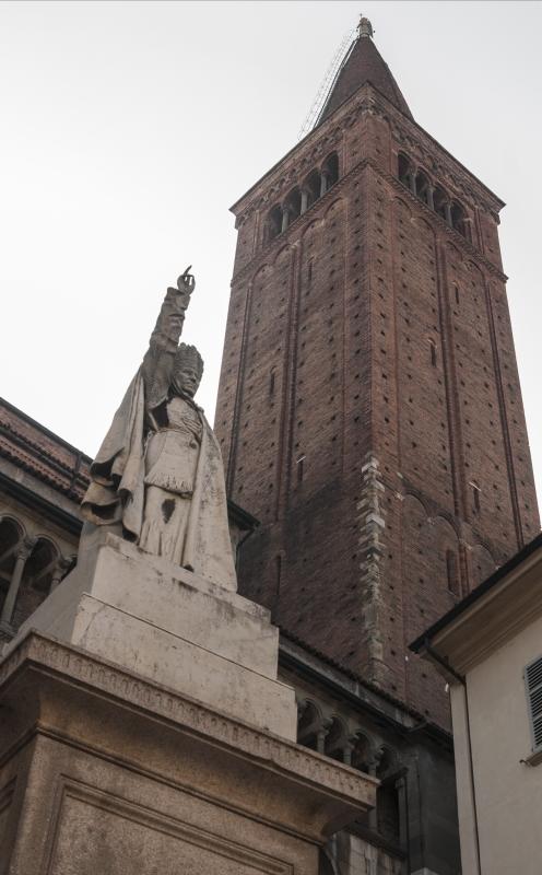Duomo di Piacenza - Campanile e statua di Pio IX - Matteo Bettini - Piacenza (PC)