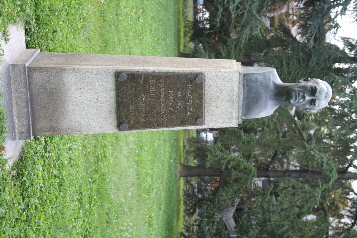 Statue nei giardini Margherita - Rossellaman - Piacenza (PC)