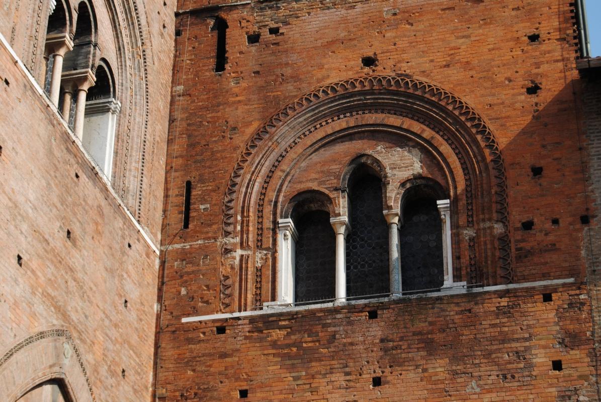 Stile gotico - Ele.vt - Piacenza (PC)