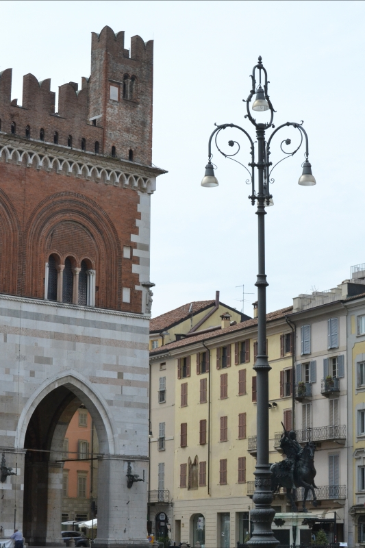 Piazza gotica - CLAUDIABAQ - Piacenza (PC)