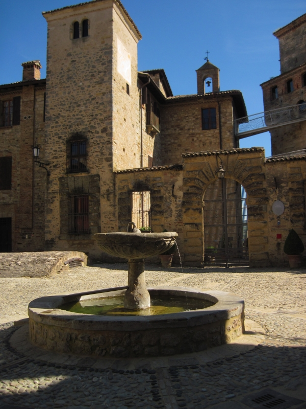 0330445288 Borgo di Vigoleno - Mostacchi.angelo - Vernasca (PC)