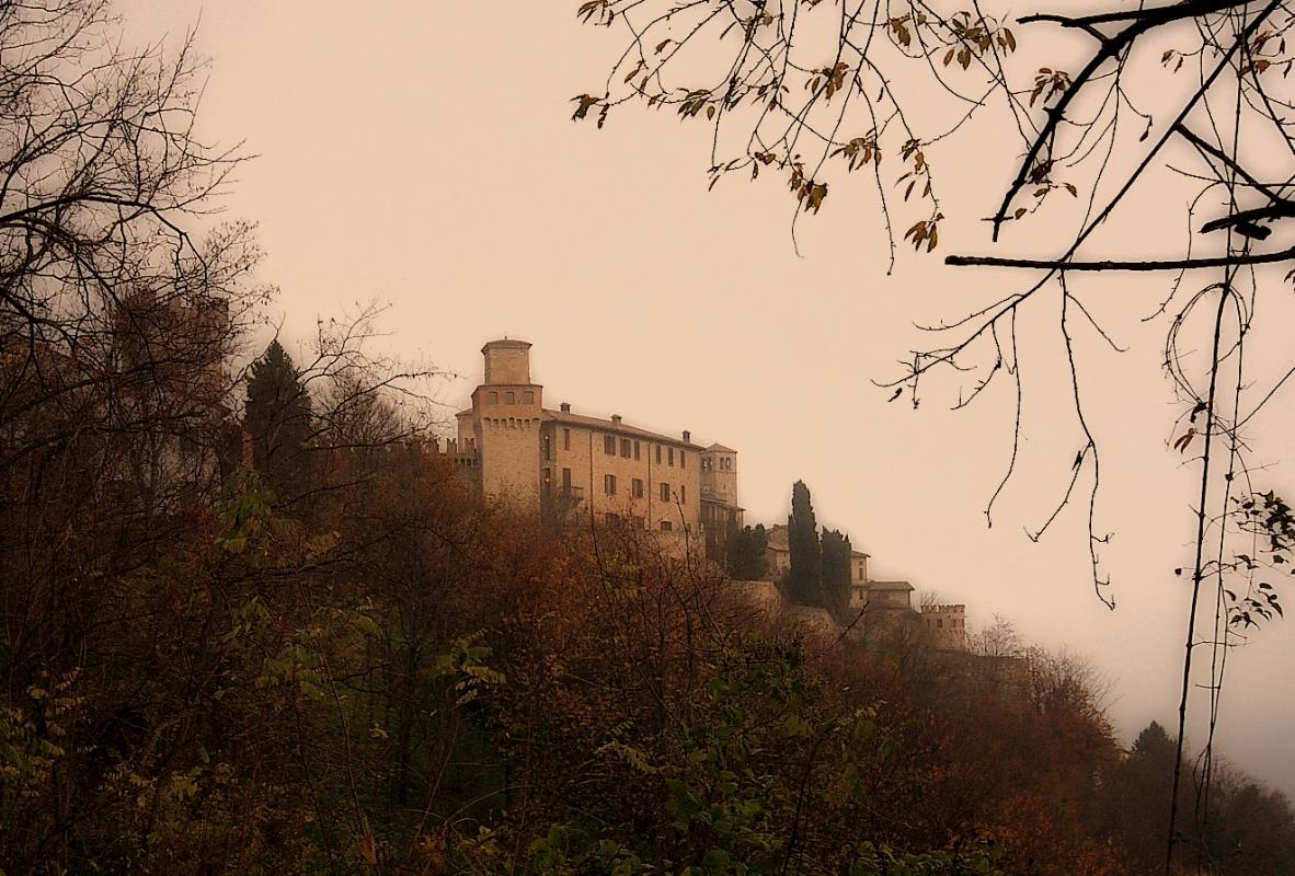 Vigoleno autunnale - Bruschi alberto - Vernasca (PC)