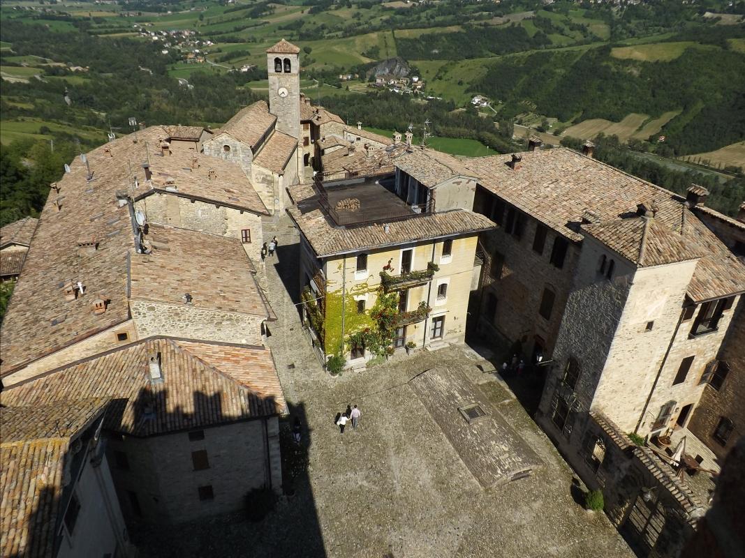 Borgo di Vigoleno dall'alto - LukeHunter - Vernasca (PC)