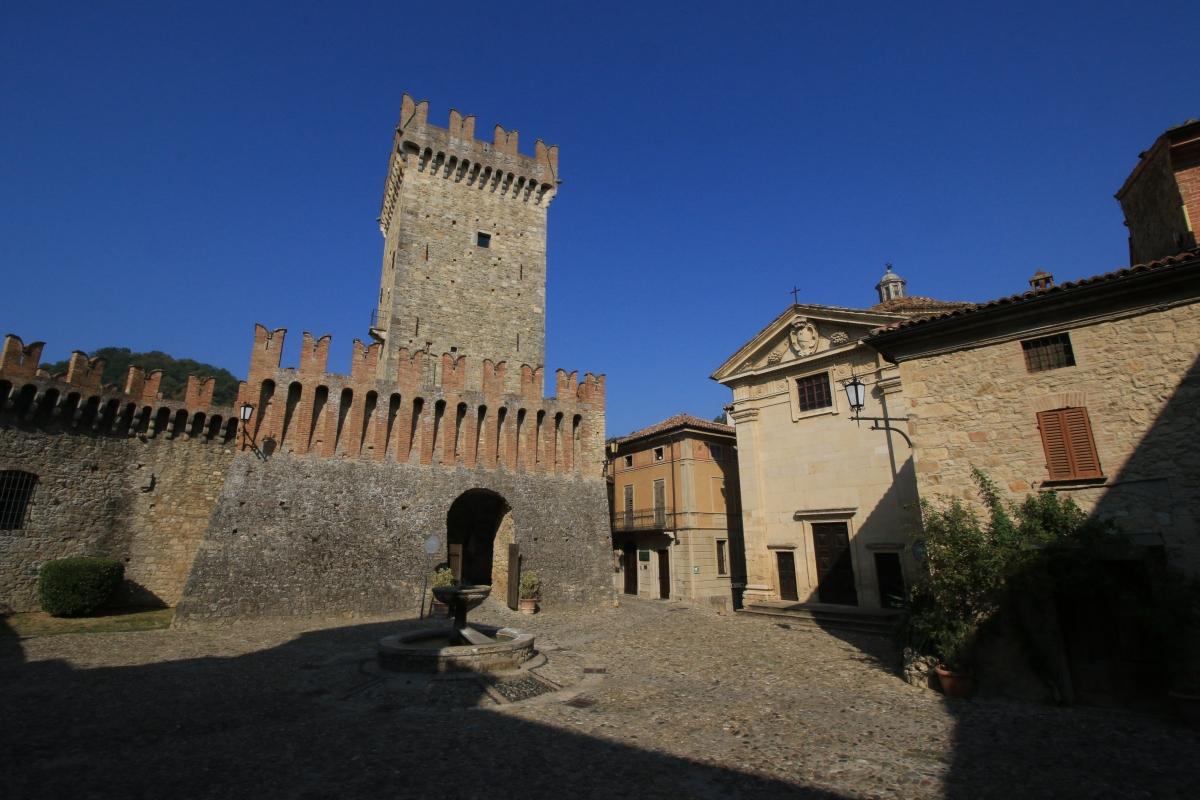 Il borgo - Tiziana coppetti - Vernasca (PC)