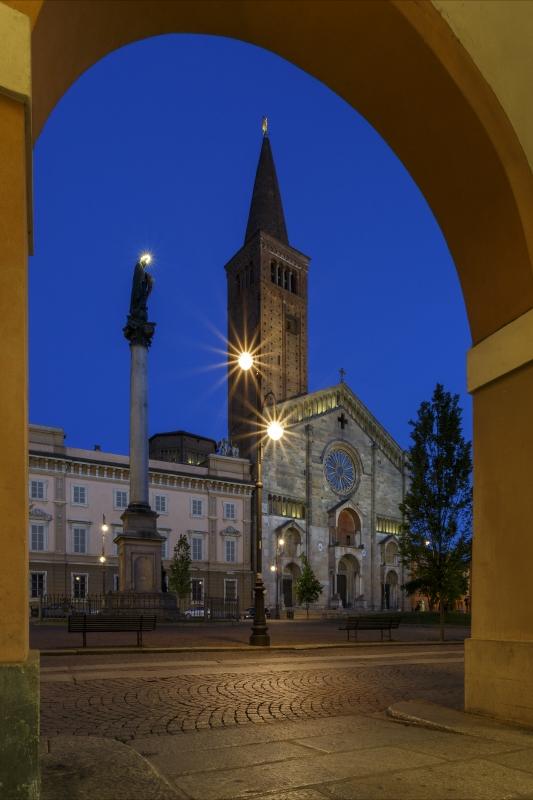 Piazza Duomo 10 - Mario Carminati - Piacenza (PC)