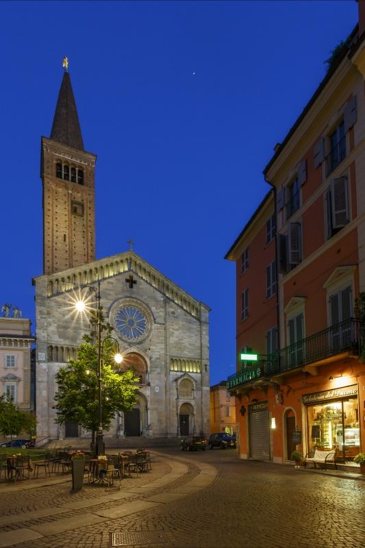 Piazza Duomo 11 - Mario Carminati - Piacenza (PC)