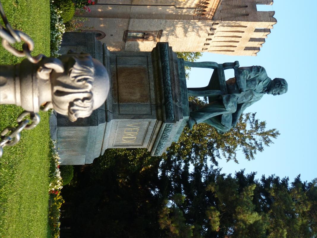 Prospettiva su Monumento Giuseppe Verdi - Busseto - IL MORUZ - Busseto (PR)